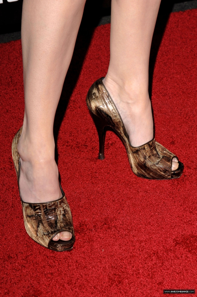 Annie Wersching Feet at 24 Season 7 Finale Party - 1