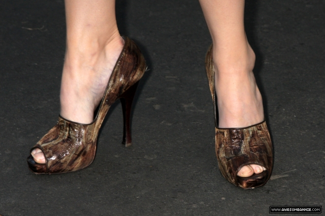 Annie Wersching Feet at 24 Season 7 Finale Party - 5
