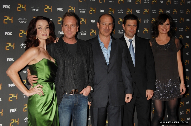 annie-wersching-24-season-7-premiere-party-group_011