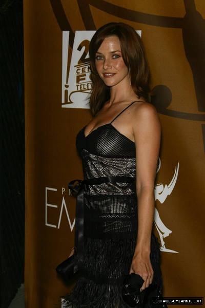 annie-wersching-2007-fox-primetime-emmy-afterparty_01