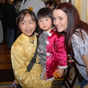annie-wersching-chinese-new-year-parade-2010_03