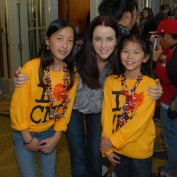 annie-wersching-chinese-new-year-parade-2010_05