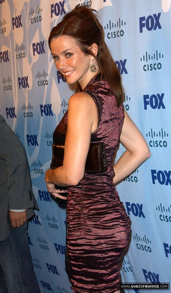 Annie-Wersching-FOX-Fall-Eco-Casino-Party_2008-23