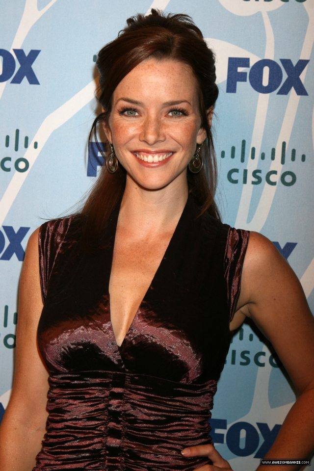 Annie-Wersching-FOX-Fall-Eco-Casino-Party_2008-26