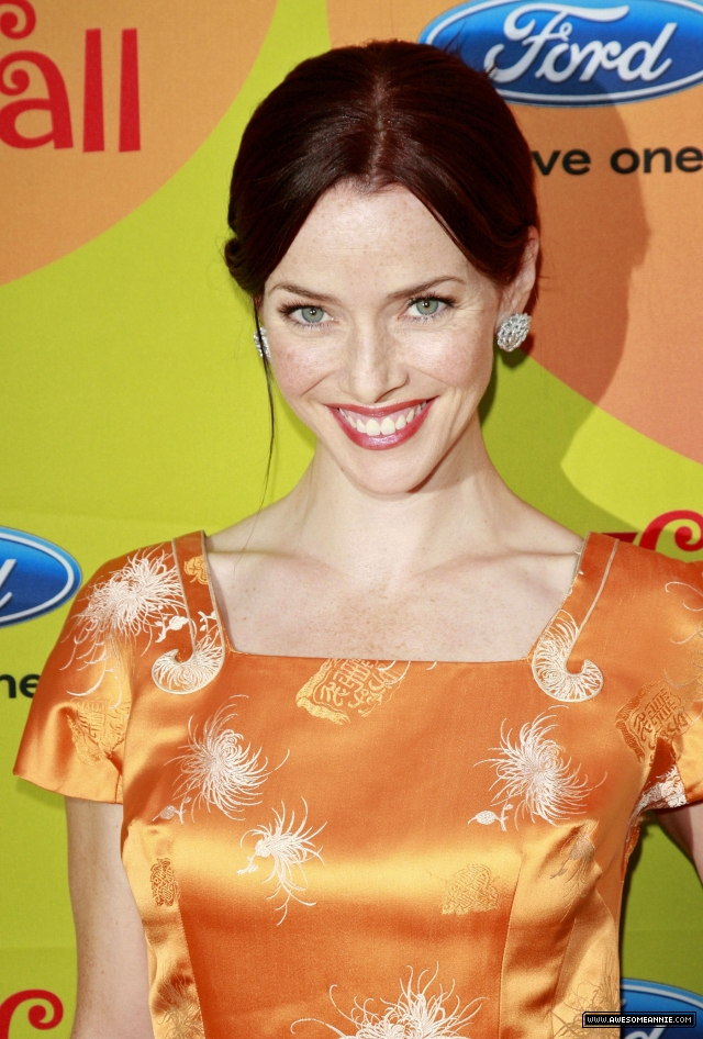 annie-wersching-fox-eco-casino-party2009_14