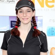 Annie Wersching smiles at Hack n Smack Celebrity Golf Tournament 2011