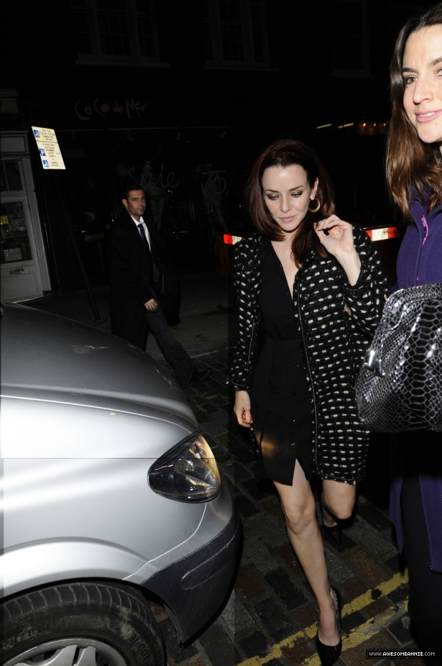 annie-wersching-hotel-london_15