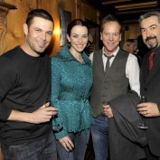Annie Wersching with Carlos Bernard, Kiefer Sutherland, and Jon Cassar