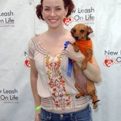 Annie Wersching at Nuts for Mutts Dog Show 2009 - 01