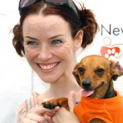 Annie Wersching at Nuts for Mutts Dog Show 2009 - 05