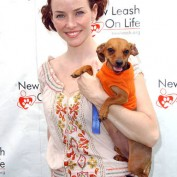 Annie Wersching at Nuts for Mutts Dog Show 2009 - 06
