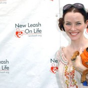 Annie Wersching at Nuts for Mutts Dog Show 2009 - 07