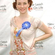 Annie Wersching at Nuts for Mutts Dog Show 2009 - 11
