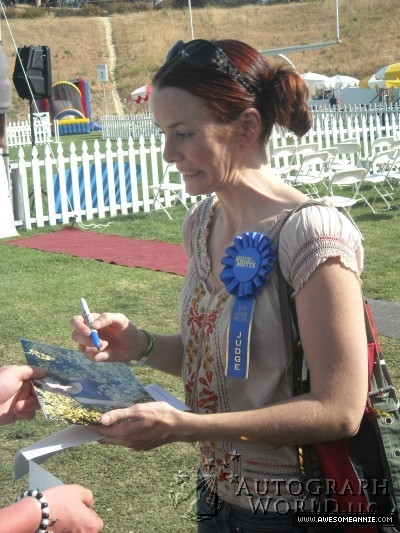 Annie Wersching signing autographs at Nuts for Mutts Dog Show 2009