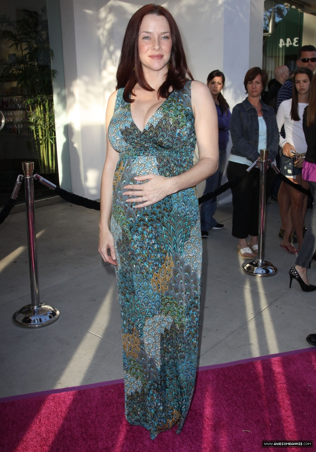 Annie Wersching at A Pea in the Pod's Mom's-to Be Night Out