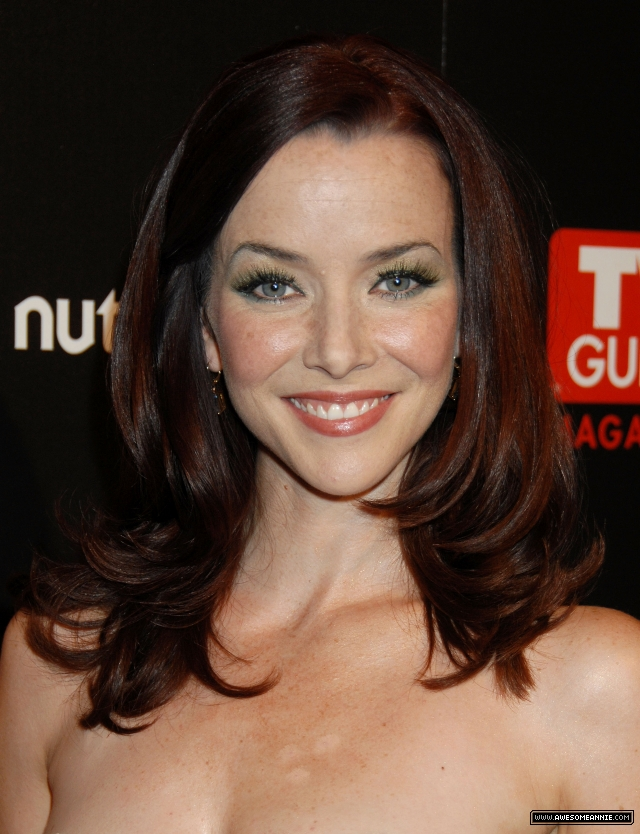 annie-wersching-tv-guide-sexiest-stars-party-2009_03
