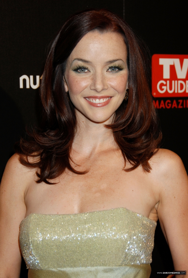 annie-wersching-tv-guide-sexiest-stars-party-2009_04