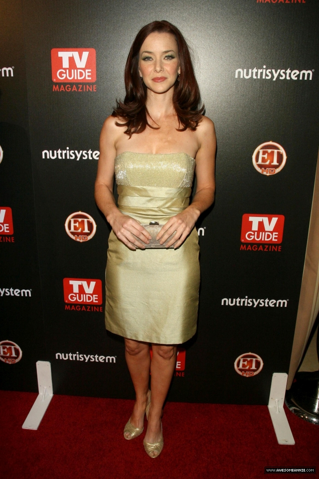 annie-wersching-tv-guide-sexiest-stars-party-2009_08