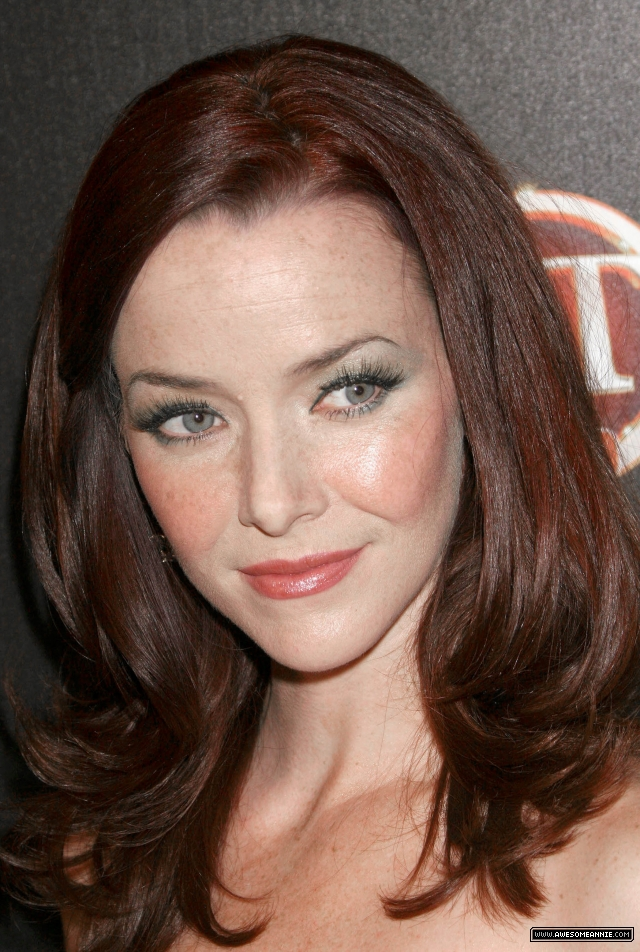 annie-wersching-tv-guide-sexiest-stars-party-2009_33