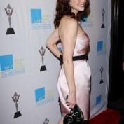 annie-wersching-win-awards-2009_fm_09