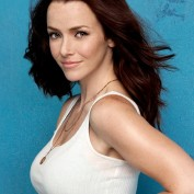 Annie Wersching iPhone 4 wallpaper