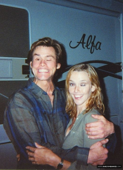 Annie Wersching and Jim Carrey on the set of Bruce Almighty