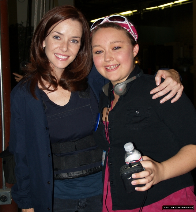 Annie Wersching with fan Tiffany