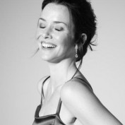 Annie Wersching 2009 Portrait Session 9