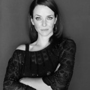 Annie Wersching 2009 Portrait Session 17