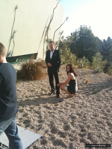 Annie Wersching and Kiefer Sutherland pose