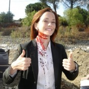 Annie Wersching with bloody neck 24 Season 7 behind the scenes