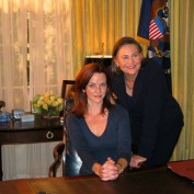 Annie Wersching and Cherry Jones on White House set 24 Season 7