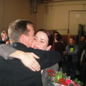 Annie Wersching hugs Kiefer Sutherland on 24 set