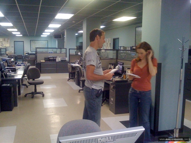 Annie Wersching and Jeffrey Nordling rehearse a scene
