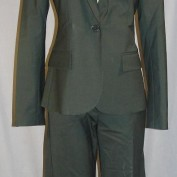 renee-walker-24season7-suit-front