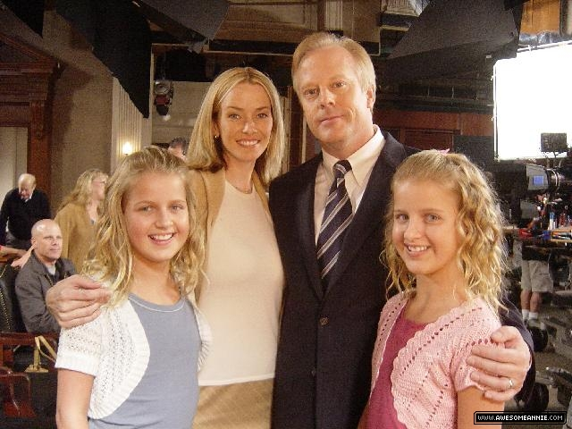 annie-wersching-boston-legal-bts_01