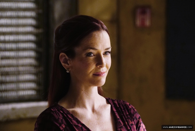 "Annie Wersching in Castle Season 7 Episode 14 ""Resurrection"" Promotional Photo - 1"