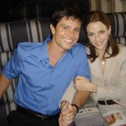 Annie Wersching with Jason Behr on Company Man set 03