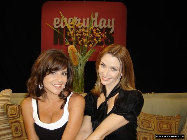 Annie Wersching and Kelly Monaco on General Hospital set
