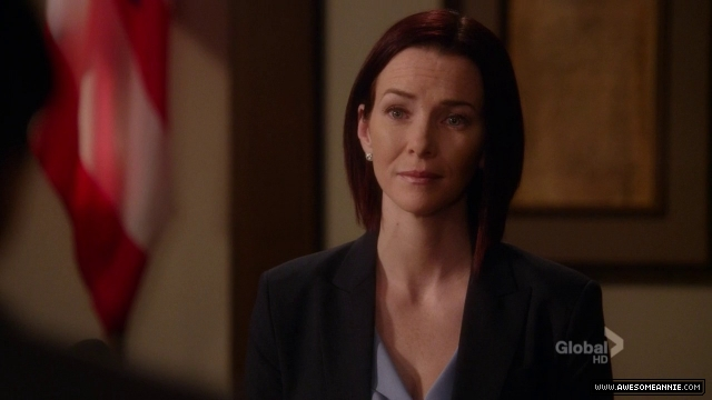 Annie Wersching in Harry's Law - 005