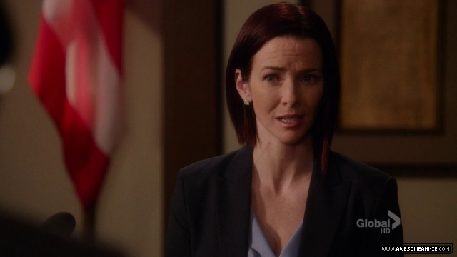 Annie Wersching in Harry's Law - 008