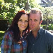 Annie Wersching and Scott Caan on Hawaii Five-0 set
