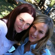 Annie Wersching and Julie Benz on No Ordinary Family set