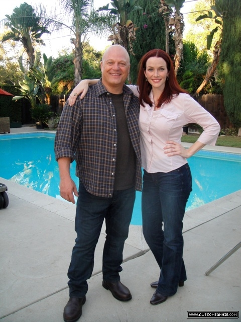 Annie Wersching and Michael Chiklis on No Ordinary Family set