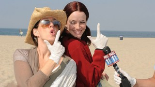 Annie Wersching and Joely Fisher at Earth Day Beach Cleanup 2009