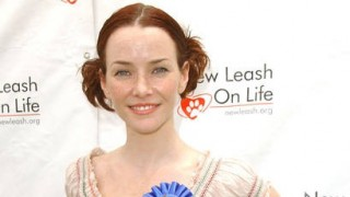 Annie Wersching at Nuts for Mutts 2009