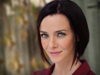 Annie Wersching Headshot 2012 - 02